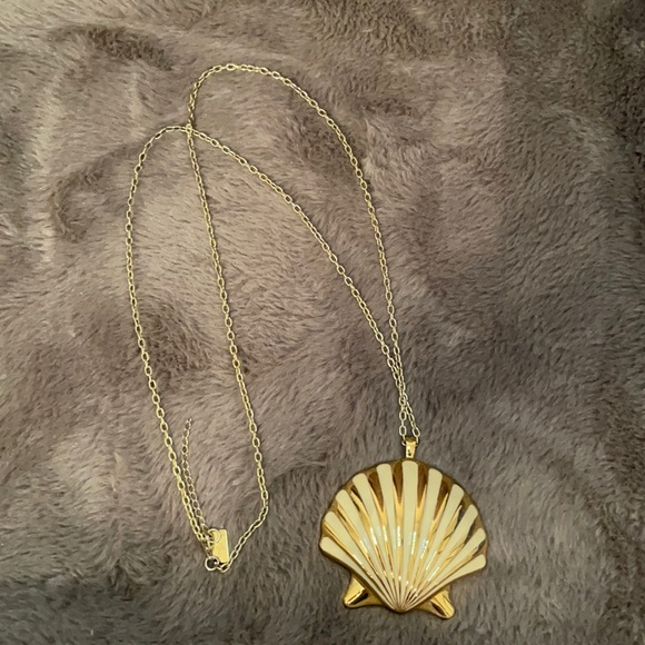 Lilly Pulitzer Shell Yeah Necklace